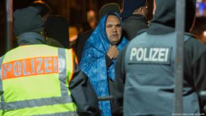 غالبية الألمان تؤيد مواقف المحافظين المتشددة بشأن المهاجرين