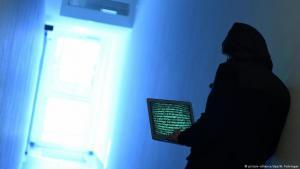 مشروع القانون المعدل لقانون الجرائم الإلكترونية الذي أقره مجلس الوزراء الأردني يثير جدلا في الوسط الصحافي.