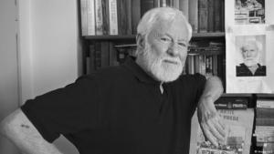 عمل داعية السلام الإسرائيلي، أوري أفنيري، طيلة عقود من الزمن من أجل إحلال السلام بين الإسرائيليين والفلسطينيين. وتوفي الإثنين 20 / 08 / 2018 عن عمر ناهز الـ 94 عاما.  Foto: imago/epd
