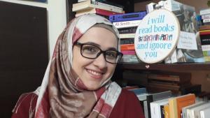 """هدى مرمر، مديرة نادي القراءة """"بوكهوليكس Bookoholics"""" في بيروت - لبنان. (photo: Hoda Marmar)"""