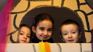 أطفال في روضة ألمانية. المهاجرون يسهمون في تأمين مستقبل ألمانيا
