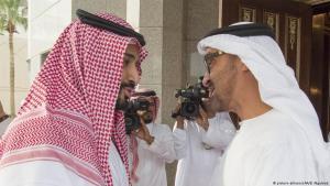 محمد بن زايد ولي عهد أبو ظبي الإماراتية ومحمد بن سلمان ولي عهد السعودية.
