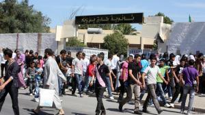 تلاميذ جزائريون يغادرون المدرسة في نهاية اليوم المدرسي.  (photo: DW/Nour Elhayet Elkebir)