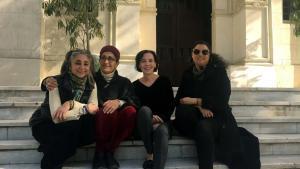 من اليسار منسقة المعرض هبة فريد والفنانة هدى لطفي والقيّمة شيفا بلاغي والفنانة شيرين جرجس.  (photo: Sherin Guirgis)