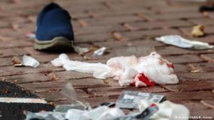 """مدينة كرايستشيرش النيوزيلندية تنعي الضحايا المسلمين في المسجدين نتيجة الهجوم الإرهابي اليميني المتطرف: """"كان هناك دم في كل مكان"""". Foto: Reuters/SNPA/M.Hunter"""