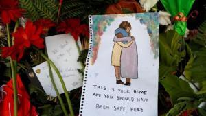 (photo: Reuters/J. Silva) زهور وتضامن مه ضحايا الاعتداء الإرهابي المزدوج على مسجدين في نيوزيلندا