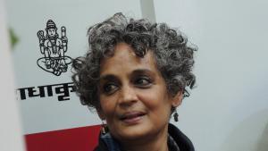 الكاتبة الهندية البارزة أرونداتي روي.  (photo: Dominik Muller)