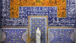 مسجد الشيخ لطف الله هو أحد مساجد مدينة أصفهان في إيران، يقع في الجانب الشرقي من ساحة نقش جهان مقابل قصر عالي قابز الصورة: Pascal Mannaerts و