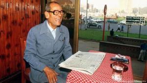 نجيب محفوظ بمناسبة حصوله على جائزة نوبل في الآداب عام 1988