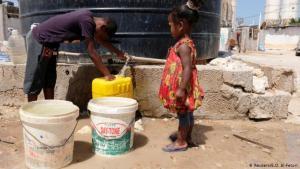 أزمة في النظام الصحي بدات تلوح في الأفق في ليبيا، والسبب انخفاض مخزون المياه الصالحة للشرب. حوالي 101 من 149 قناة توزيع مياه في ليبيا تعرضت للتدمير. والسبب وراء ذلك هو العمليات القتالية العسكرية وتعطل المصالح الإدارية.