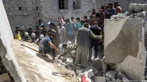 لا يمكن للمدنيين في إدلب السورية الهروب إلى أي مكان حين يتم قصف المنازل والمستشفيات والمدارس.  Foto: Foto: Getty Images/afp/O.H.Kadour