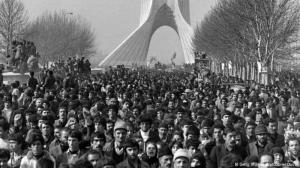 الملايين في انتظار الخميني  في العاصمة طهران. الصورة: photo: Getty Images/AFP/Gabriel Duval