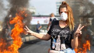 مشاركة نسائية قوية في حراك لبنان الشعبي 2019.