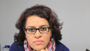 الكاتبة الإيرانية شوكوفة آزار (source: wilddingopress.com.au)