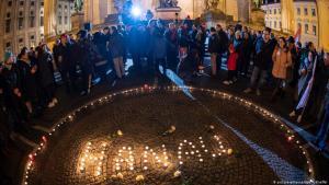 بعد مقتل ذوي أصول مهاجرة بمدينة هاناو الألمانية بطلقات نارية - ذكرى الضحايا. Foto: picture-alliance/dpa/P. Kneffel