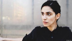 مريم زاري ممثلة ومخرجة في برلين من أصول إيرانية.