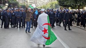 احتجاجات في الجزائر العاصمة - 12 ديسمبر / كانون الأول 2019. Foto: AFP/Getty Images