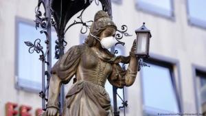 تمثال في مدينة كولونيا الألمانية
