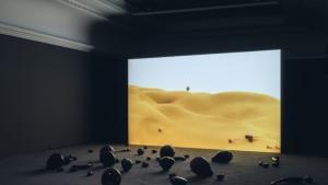 """في متحف """"بيت الفنون"""" بمدينة ميونخ الألمانية أعمال فنية للكويتية منيرة القادري في الغرب. Foto: Maximilian Geuter/HdK"""