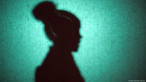 صورة رمزية. ختان الإناث حرب ضد عادة عمرها آلاف السنين