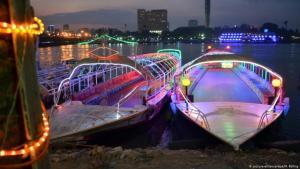 يخوت في نهر النيل يستأجرها أفراد مجتمع المثليين في مصر لاقامة حفلاتهم بعيداً عن أعين الرافضين لهم