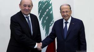 الرئيس اللبناني ميشال عون خلال لقائه وزير الخارجية الفرنسي  جان إيف لودريان.
