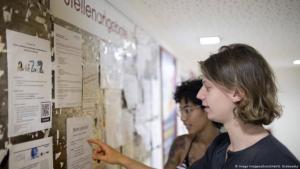 الطلبة يعانون صعوبات في إيجاد وظائف وسط أزمة كورونا
