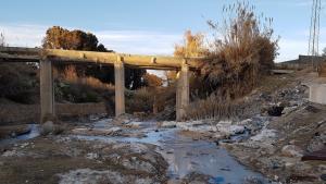 تلوث المياه الصناعية في منطقة القصرين تونس - يناير / كانون الثاني 2017. (photo: Raoudha Gafrej)