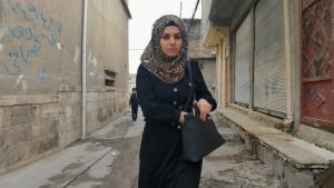 """مشهد من الفيلم العراقي القصير """"حدود الهوية"""" - الموصل. """"حُكم داعش كان واقعنا وهو جزء من تجربتنا. ومواجهة ذلك فقط تجعلنا أقوى"""". (Foto: elbarlament)"""