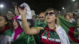 احتجاجات حراك الجزائر. (Foto: picture.alliance / abaca L ammi)