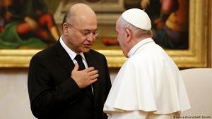 البابا فرنسيس مع الرئيس العراقي برهم صالح (صورة من الأرشيف)