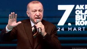 الرئيس التركي رجب طيب إردوغان في اجتماع حزب العدالة والتنمية في أنقرة 24 / 03 / 2021 – تركيا.  Foto: Adem Altan/AFP/Getty Images