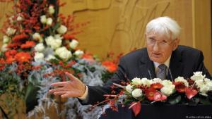 عالم الاجتماع والفيلسوف الألماني يورغِن هابرماس 2012. (Foto: dpa)