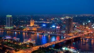 إطلالة على القاهرة في الليل - مصر.