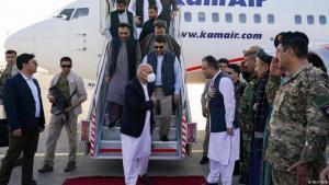 الرئيس الأفغاني أشرف غني يقوم بزيارة مزار الشريف التي يتقدم مقاتلو طالبان صوبها (11/8/2021)