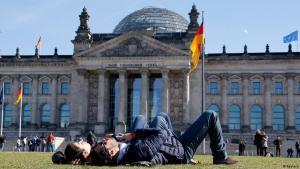 الصورة من الأرشيف – البرلمان الألماني في برلين. Deutschland Frühlingswetter 20 03 2014