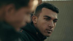 """عُرِض فيلم """"كابتن الزعتري"""" الوثائقي في مهرجان صندانس السينمائي الشهير في عام 2021. Ausschnitt aus dem Film """"Caiptains of Zaatari""""; Foto: Inga Gerke"""