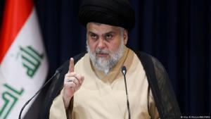 مقتدى الصدر، زعيم متوج بإرث أبيه الذي قتل مع شقيقين أكبر منه في تسعينات القرن الماضي على يد نظام صدام حسين.