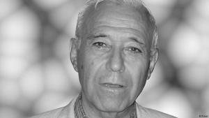 نعى مثقفون سوريون الفيلسوف السوري طيب تيزيني، الذي توفي في مدينة حمص عن نحو 85 عاماً. Tayeb Tezeni  Syrischer Denker FOTO PRIVAT