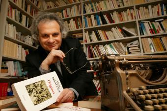 الأديب والروائي الفرنسي اللبناني أمين معلوف الصورة خاص