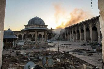 دمار الجامع الأموي في المدينة القديمة في حلب ، سوريا. Foto: Privat