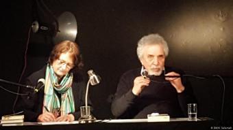 الكاتب السوري مصطفى خليفة والمترجمة لاريسا بندر في حفل توقيع الترجمة الألمانية للرواية