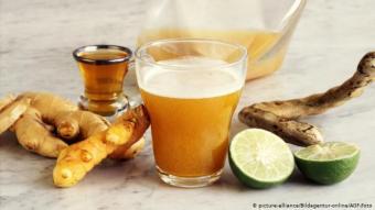 شراب التمر الهندي: لتحضير الشراب يغلى التمر الهندي في الماء ثم ينكه بماء الورد ويحلى بكميات هائلة من السكر. التمر الهندي غني بمضادات الأكسدة ويساعد على الهضم. خاصية مهمة جدا لمقاومة التخمة في ليالي رمضان.