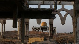 حطام مطار - حطام مشروع بالملايين: مطار مدينة غزة. من بين الدول الممولة ألمانيا وتم افتتاحه عام 1998 بحضور الرئيس الأمريكي الأسبق بيل كلينتون وتعرض للتدمير من قبل إسرائيل في بداية عام 2000. والسبب يعود لما يُسمى الانتفاضة الثانية التي نُفذت خلالها اعتداءات إرهابية.