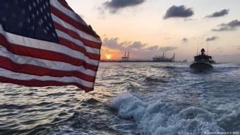 قطع من الأسطول الامريكي في الخليج العربي الفارسي.