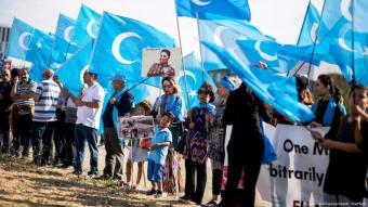 متظاهرون في العاصمة الألمانية برلين يطالبون بحماية أقلية الإيغور  المسلمة في الصين
