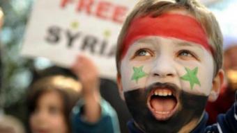 مظاهرة سلمية ضد نظام الأسد الصورة رويترز