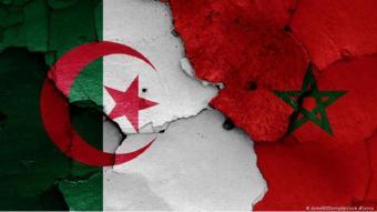 """قررت الجزائر قطع علاقاتها الدبلوماسية مع المغرب بعد أقل من أسبوع من إعلانها إعادة النظر في علاقاتها المتوترة أصلا منذ عقود مع جارتها الواقعة على حدودها الغربية، مؤكدةً أن الخلافات العميقة بين البلدين """"لا تمس الشعوب""""، ورد المغرب بالإعراب عن أسفه للقرار الجزائري."""